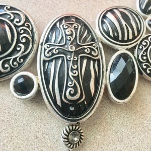 Jewelry - Black & Silver Cross Statement Necklace
